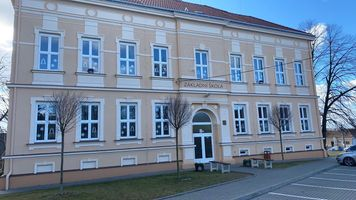 10dab9fc-hotova-fasada-zs-dyjakovice.jpeg