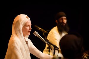 16e9e5f1-snatam-kaur-concert-part-one-artists-14-of-31_orig.jpg
