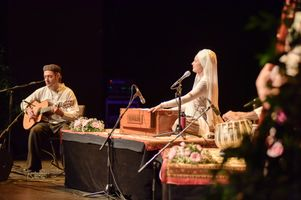 1d565653-snatam-kaur-concert-part-one-artists-11-of-31_orig.jpg
