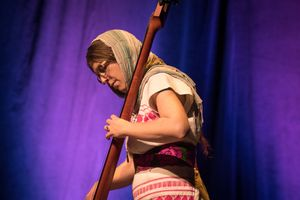 7e37d010-snatam-kaur-concert-part-one-artists-25-of-31_orig.jpg